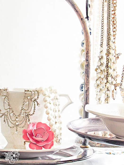 Jewelry Organization using thrift store finds