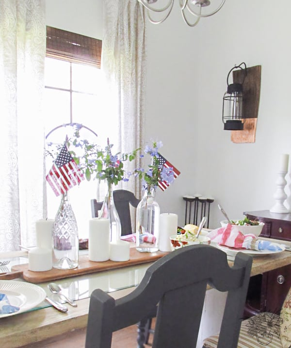 Easy 4th of July Table Scape and DIY Patriotic Watercolor Napkins