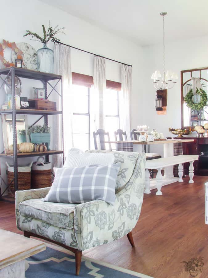 Calm Neutrals Fall Home Tour with touches of navy, mustard yellow and cranberry - Pocketful of Posies