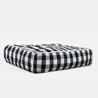 buffalo-plaid-square-dog-bed-wpbpscr