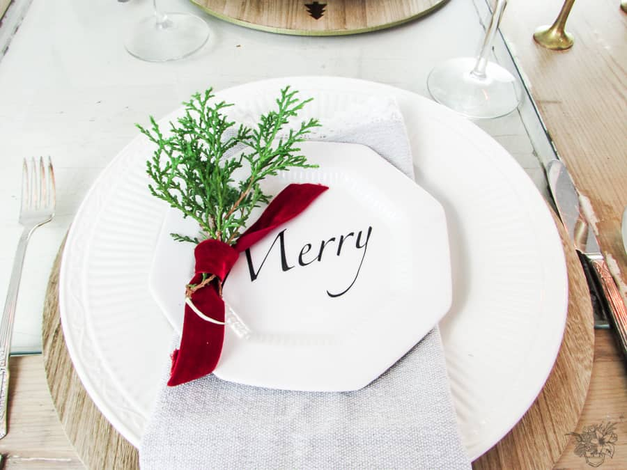 DIY Christmas Wish Plates, DIY Christmas Quote Plates, DIY Christmas Appitizer Plates, DIY Holiday Plates, DIY Holiday Quote Plates