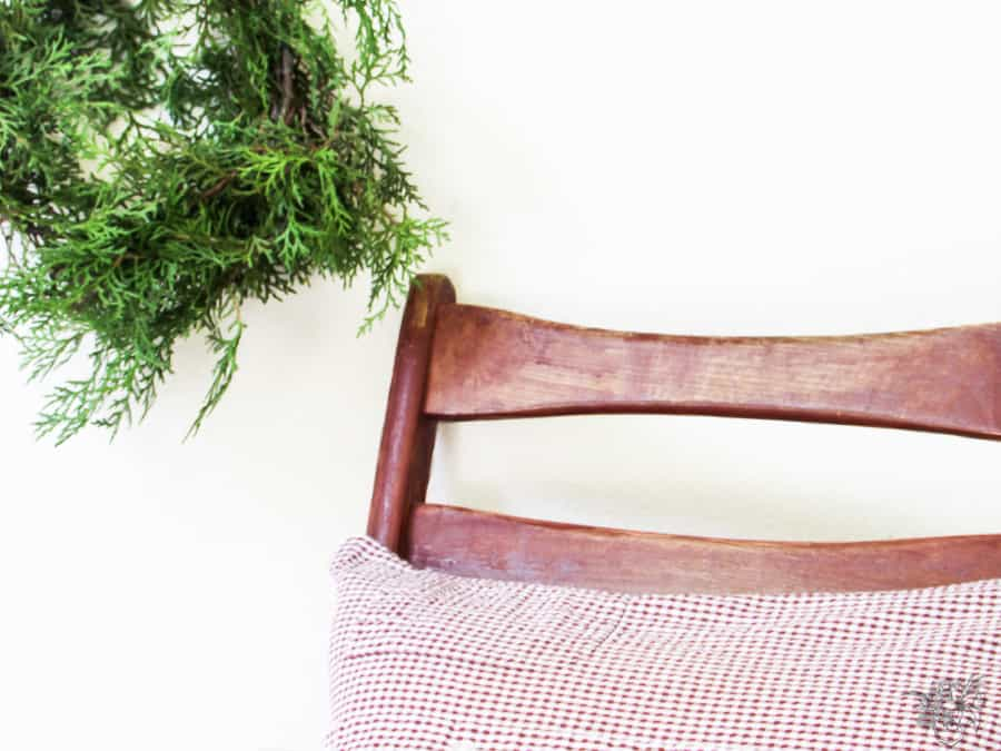 DIY Christmas Pillow in a flash, Fast and Easy Holiday Decorating, Quick Chirstmas Decorating