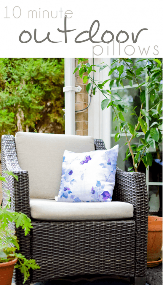 10 Minute Outdoor Pillow, Outdoor decor, Patio Makeover